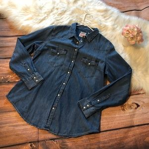 Levi's Tops - Levis Denim Button-Up Long Sleeves Collared Blouse